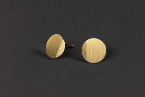 Luna. Yellow gold earrings